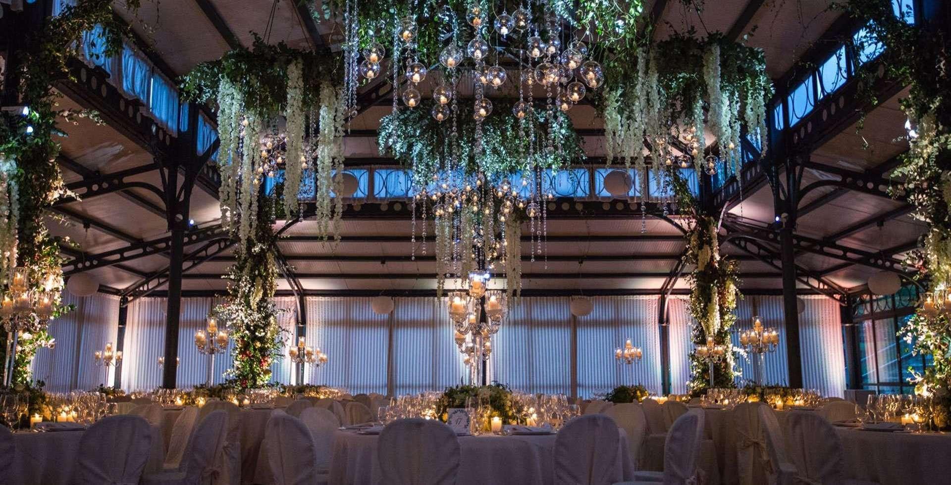 Un matrimonio in stile greenery in orangerie
